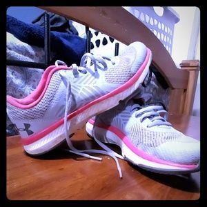 Under armour training sneakers